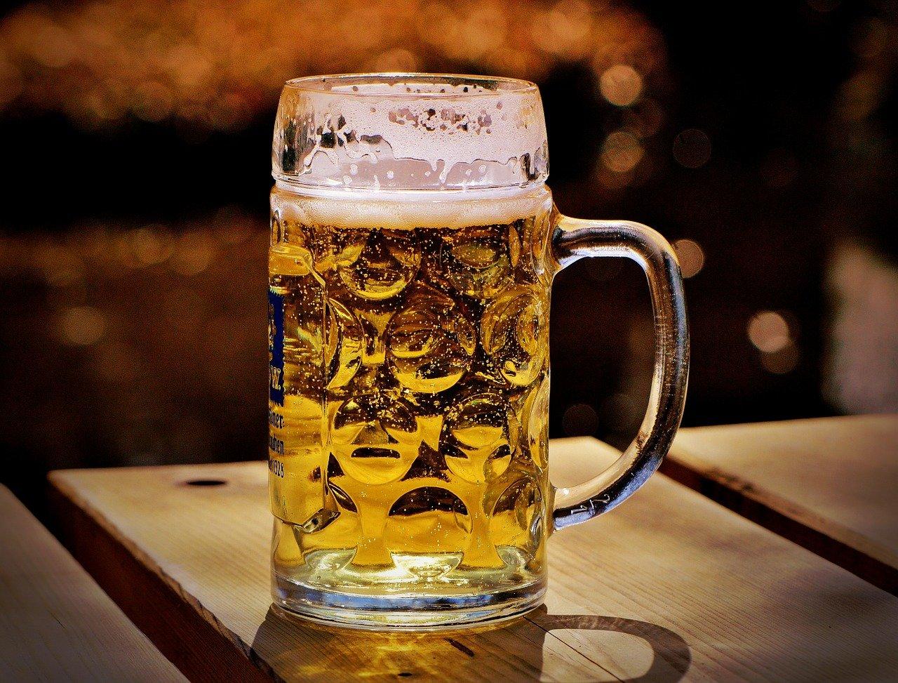 beer, beer garden, thirst-1290633.jpg